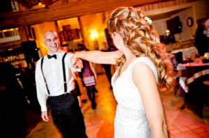 A Fun Estes Park wedding at Della Terra Mountain Chateau by Amore DJ Entertainment and captured by Denver wedding photographer Elevate Photography