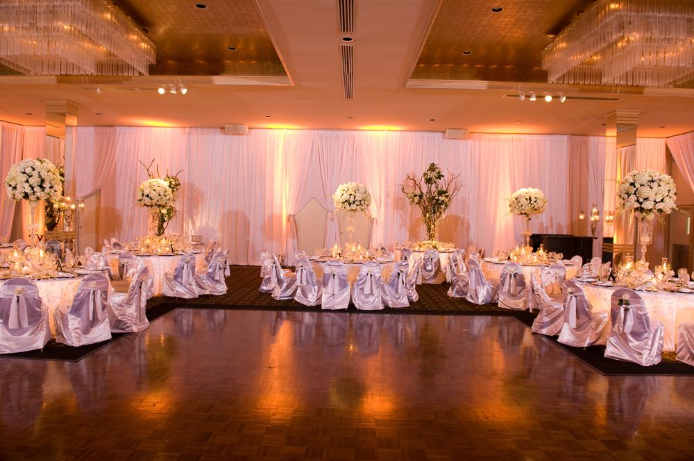 WeddingTableLitBackground