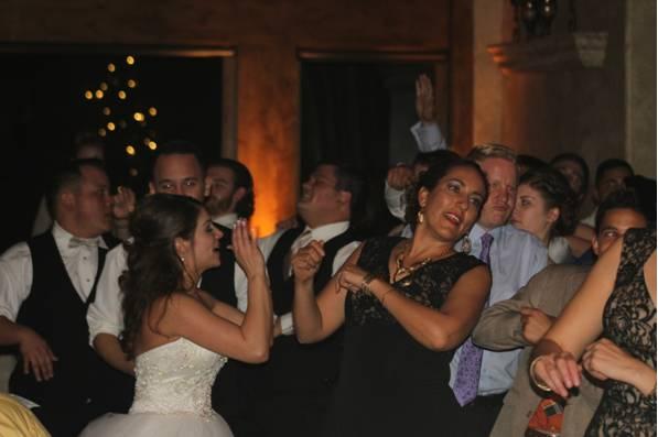 Della Terra Wedding DJ